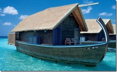 Cocoa Island - dhoni water villa