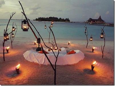 Anantara Veli - beach dinner