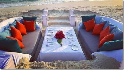 Dusit Thani - beach dinner