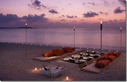 Four Seasons Landaa Giraavaru - beach dinner