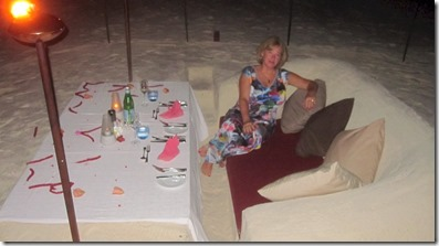 Jumeirah Dhevanafushi - in beach dinner