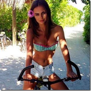 Xenia Deli (Moldova) – Six Senses Laamu