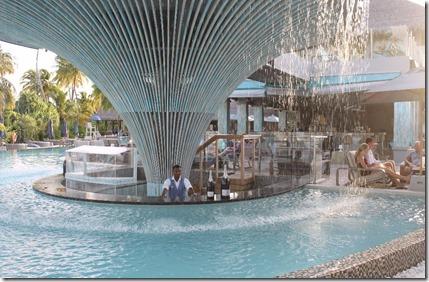 Finolhu - pool deck