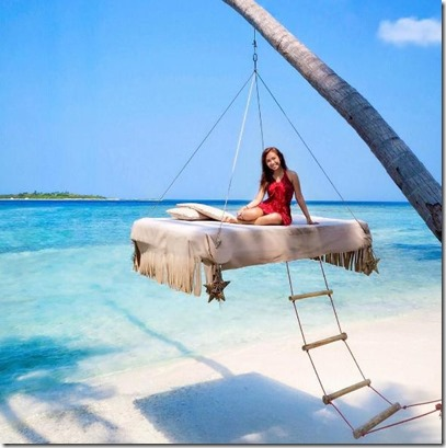 Thulusdhoo - swinging lounger
