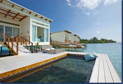 Kandooma - white villa