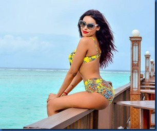 Gizele Thakral (India) - Sun Island