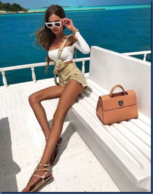 Arinka Nazarova (Russia) – Holiday Island