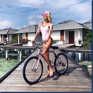 Kate Onyshchenko (Russia) - Paradise Island