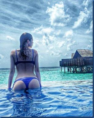 Yuliya Sazh (Ukraine) – Lily Beach