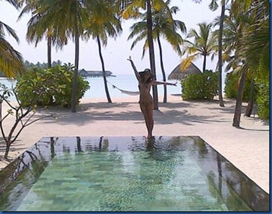 Holly Valance (United Kingdom) – One and Only Reethi Rah