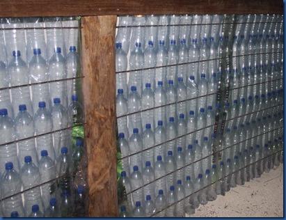 Makunudu - bottle walls