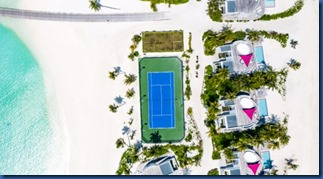LUX North Male Atoll - seaside tennis court