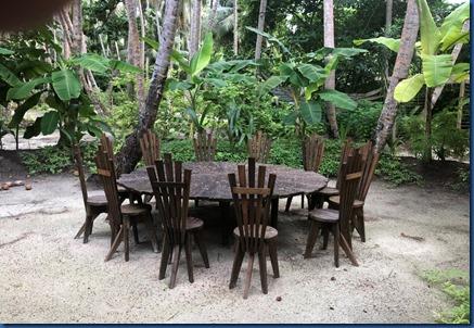 Amilla - upcycled table