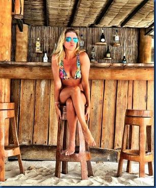 AaaVeee - bar stools