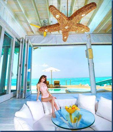 Soneva Jani - starfish chandelier