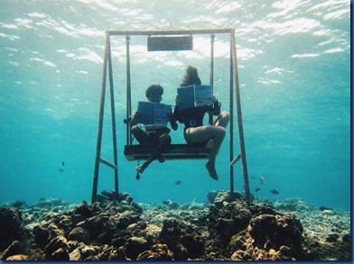 Fushifaru - underwater swing