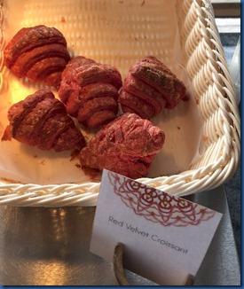 Malahini Kuda Bandos - red velvet croissant